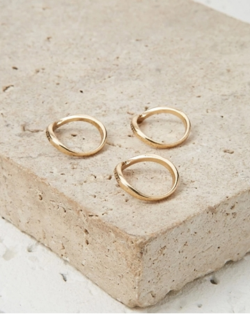 Picture of Crescent Ring Set